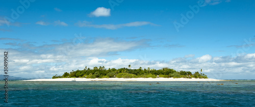 Staande foto Eiland uninhabited remote island of Mala Mala part of Fiji Islands