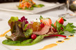 Roastbeef auf Salat