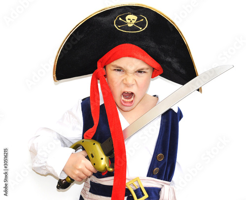 Fotografering  enfant garçon 6 ans déguisement pirate fond blanc - carnaval