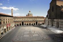 Bologna, Piazza Maggiore, Palz...