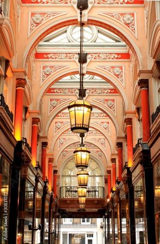royal-arcade-old-bond-street-londyn-wielka-brytania
