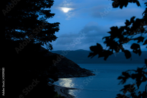 Deurstickers Volle maan Moonlight Over Loch Linnhe