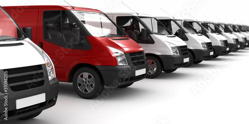 Fotografie, Obraz Roter Transporter zwischen Weißen (fokusiert)