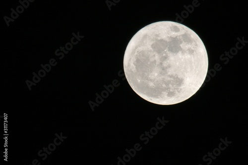 Photo Stands Full moon Mond
