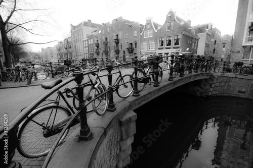 Fototapety czarno białe   vintage-czarno-bialy-rower