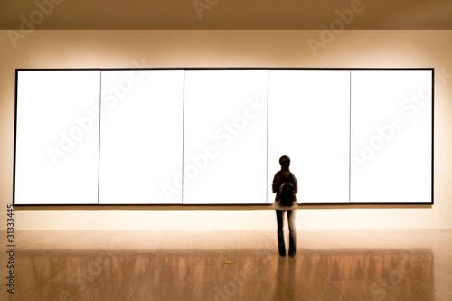 Fotografía  blank frame in art gallery