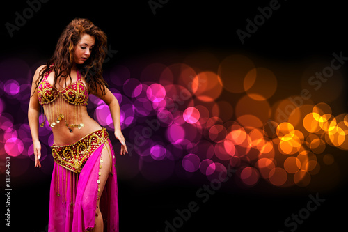Fotografia  wunderschöne orientalische Tänzerin