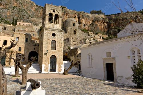 In de dag Cyprus Medieval era fortified village of Monemvasia at Greece