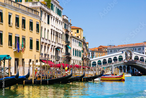 Canvas Prints Venice Grand canal with gondolas and Rialto Bridge, Italy