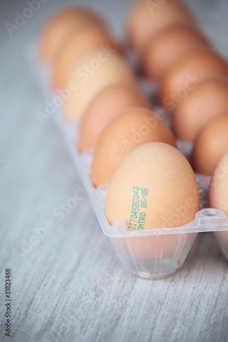 Fotografía  uova con scadenza