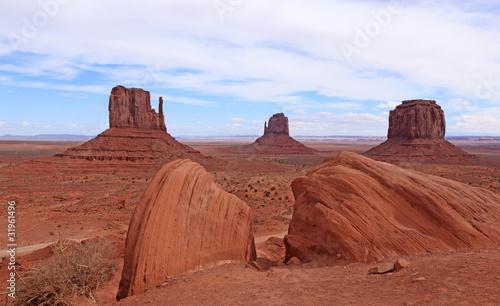 Wall Murals Magenta désert de monument valley