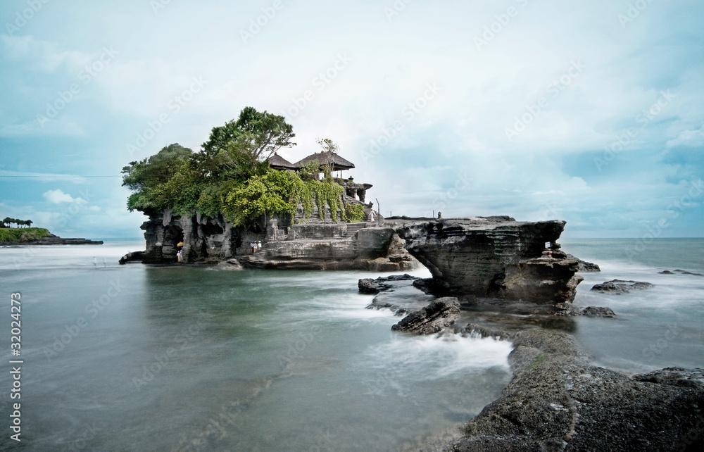 Foto Rollo Basic - Tanah Lot Temple, Bali - Long exposure
