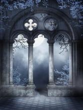 Ruiny Gotyckiego Okna Z Niebie...