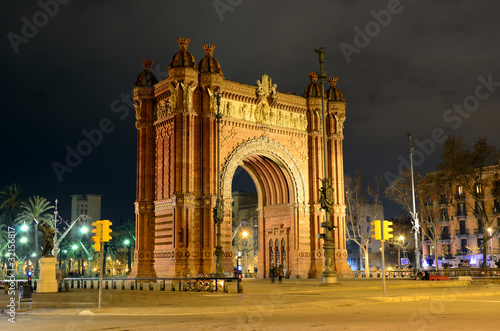 Foto auf Acrylglas Barcelona Arc de Triomf at night in Barcelona