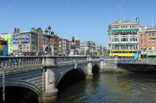 Photo  O Connell Bridge Dublin