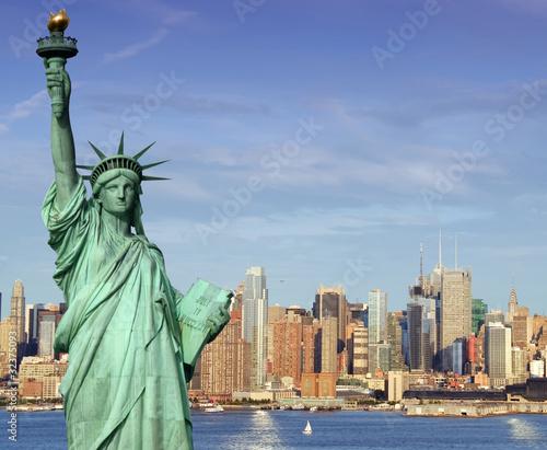 Poster Lieux connus d Amérique new york midtown skyline over hudson river