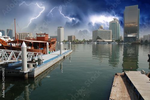 Photo  Storm approaching Dubai