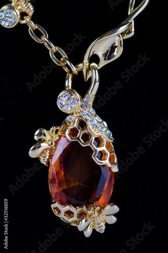Recess Fitting Macro photography pendant closeup with big gem