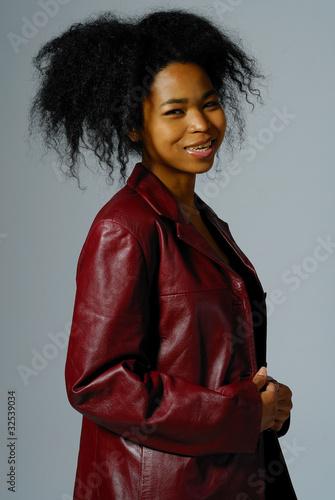 Fotografía veste en cuir rouge 3