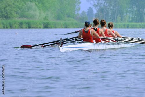 Fotografie, Obraz  Canoa a quattro femminile