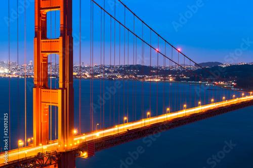 Spoed Foto op Canvas Groen blauw Golden Gate at sunset