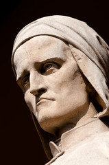 statua di dante alighieri a padova 1212