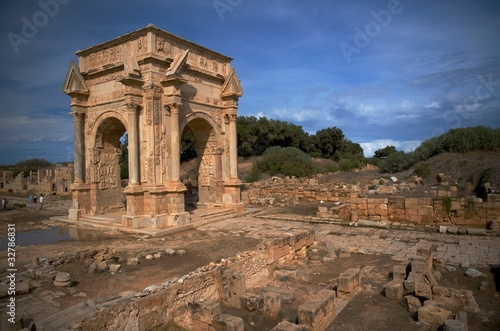 Poster Algerije The main gate to the spectacular ruins of Leptis Magna
