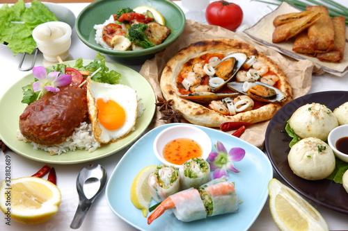 Deurstickers Klaar gerecht Various dishes of the world