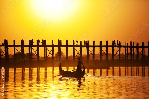 Fotomural Bridge in Myanmar