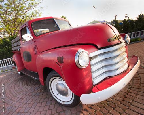 Deurstickers Oude auto s Vintage Red Pickup Truck