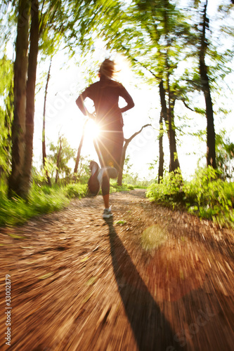 Deurstickers Jogging Junge Frau beim Joggen