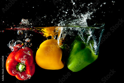czerwony-zolty-zielony-pieprz-splash