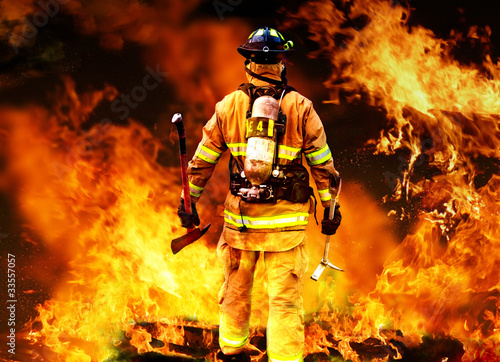 Fotografie, Obraz  In to the fire, a Firefighter searches for possible survivors