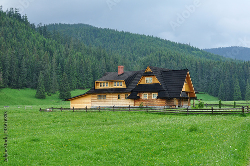 Obraz Wooden house - Tatra mountains - fototapety do salonu