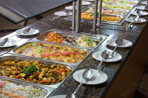 tradycyjne-tureckie-jedzenie-w-restauracji