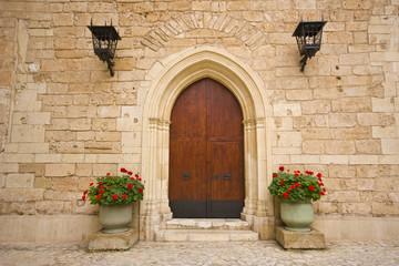 Fototapeta na wymiar Medieval door