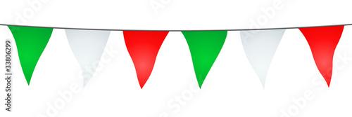 Valokuva  Guirlande de fanions verts, blancs et rouges