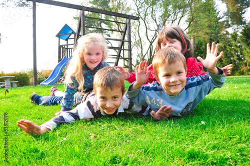 Photo  Kinder beim spielen