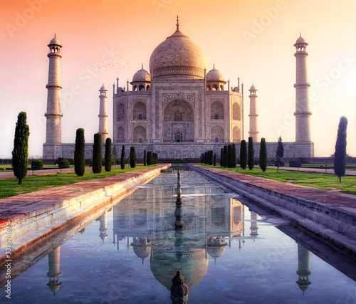 Taj Mahal in Agra Canvas Print