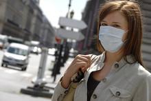 Femme Masque Pollution