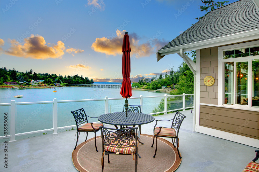 Fototapety, obrazy: Luxury deck with water view