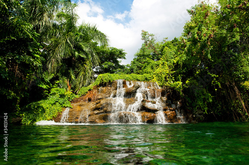 gleboka-lasowa-siklawa-w-tajlandia