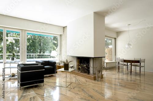 interno di grande salotto e sala da pranzo – kaufen Sie dieses Foto ...