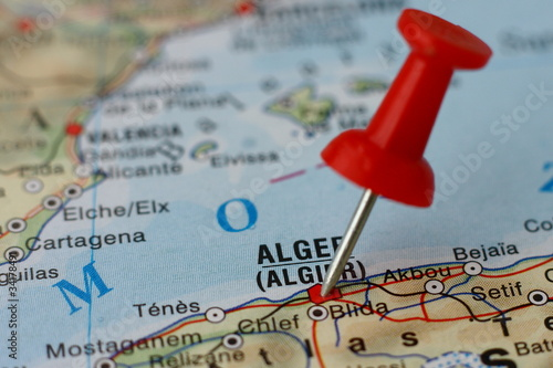 Foto op Plexiglas Algerije Pushpin on the map - Algiers, Algieria