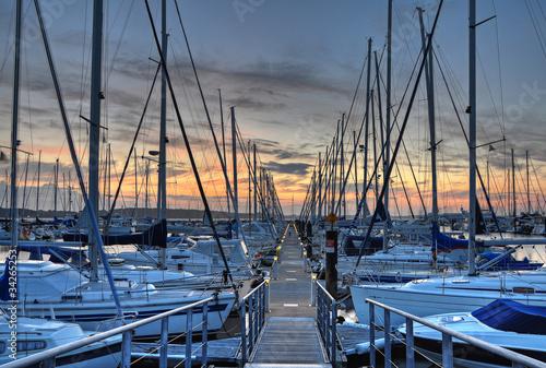 Foto-Leinwand - Hafen am Abend