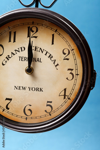 clock of grand central station Canvas Print
