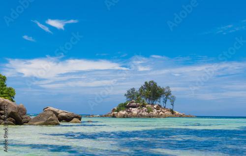 Spoed Foto op Canvas Eiland Paradise Sea Mauntain