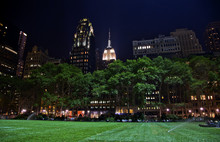 Bryant Park New York City Skyl...