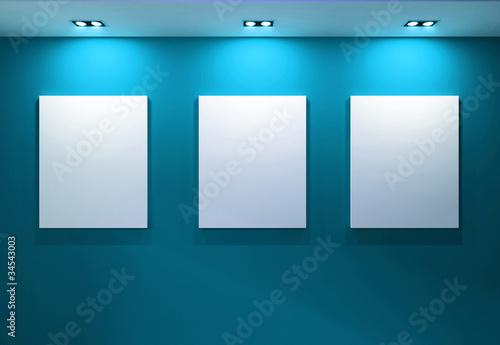Fotografía  Gallery Interior with empty frames on aqua wall