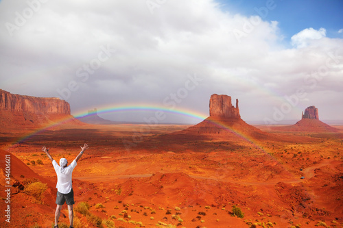 Keuken foto achterwand Rood traf. Magnificent rainbow in Monuments Valley
